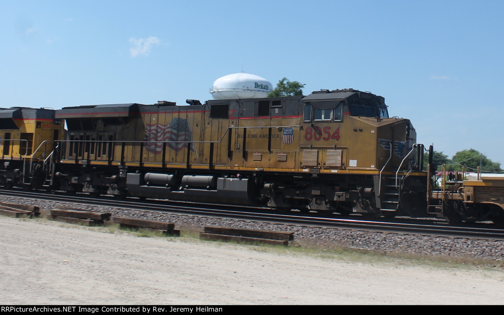 UP 8054 (2)