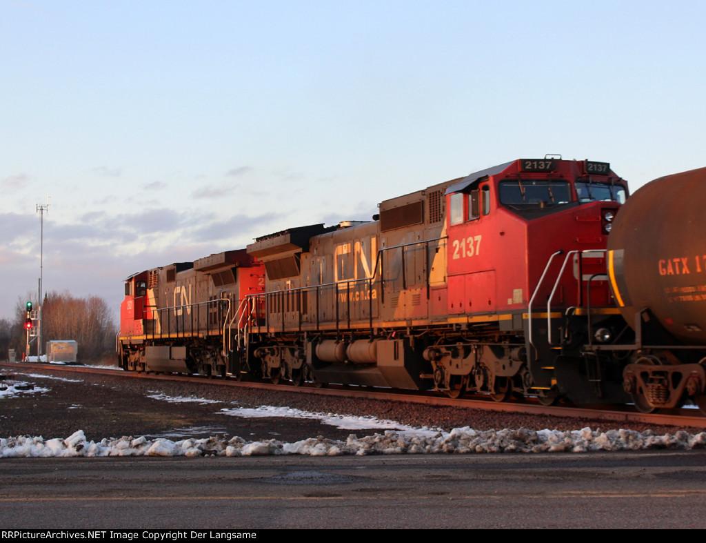 CN 2137