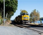 UP 8801 leads K636 south along the River Line