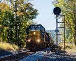 CSX 8052 leads an autorack train north