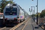 NJT 4525 shoves its train towards Newark