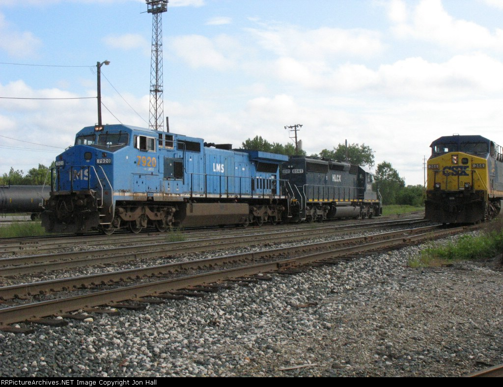 HLCX 8141 and CSX 7920 & 344