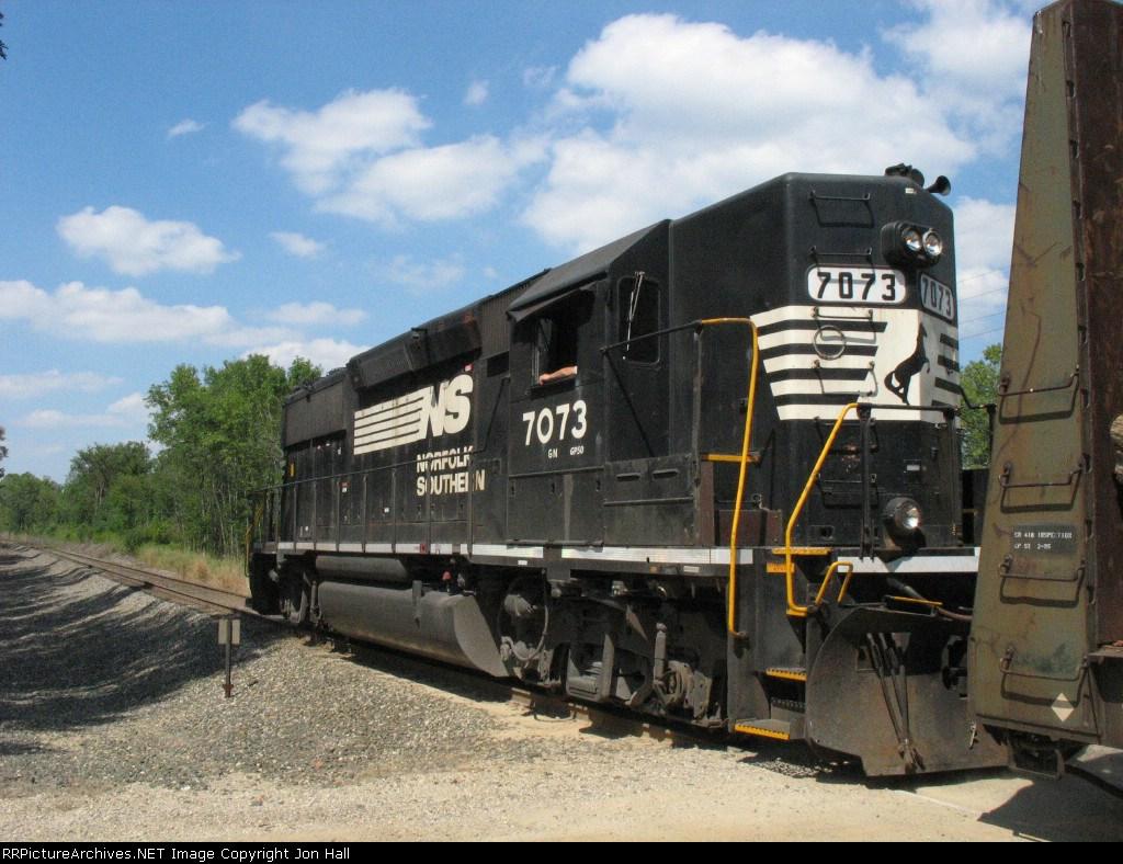 NS 7073