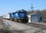 CSX 8822 leading east with Q326