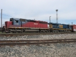 HLCX 6508 and CSX 5393