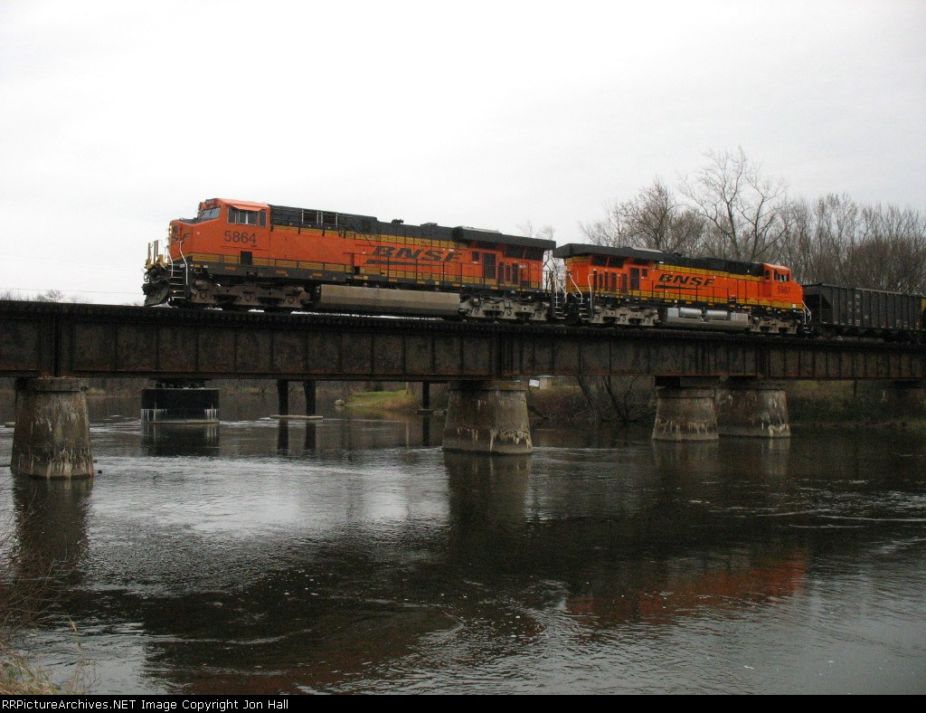 BNSF 5864 & 5987 crossing the Kalamazoo River leading D801