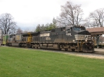 NS 9395 & CSX 655 with Q326