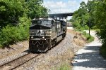 NS 9869 Drags a auto rack into the S turns.
