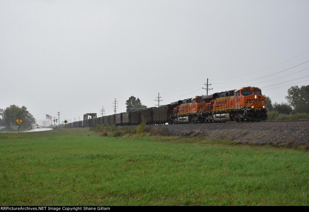 BNSF 6044 leads a a coal drag down the Hannibal Sub.
