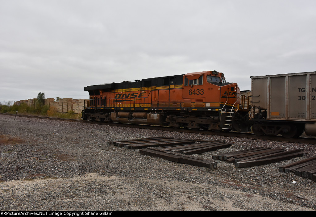 BNSF 6433 Roster.