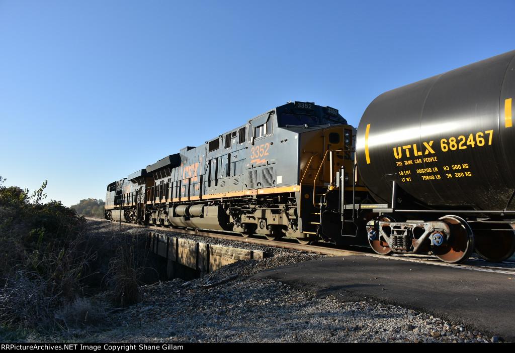 CSX 3352 Roster.