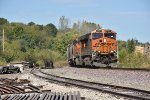 BNSF 6881 Swings the 52 curve into Old Monroe.