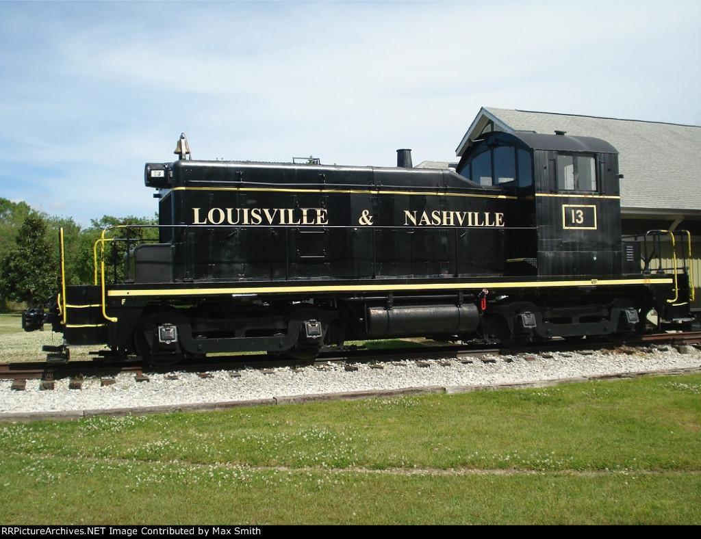 Louisville & Nashville #13
