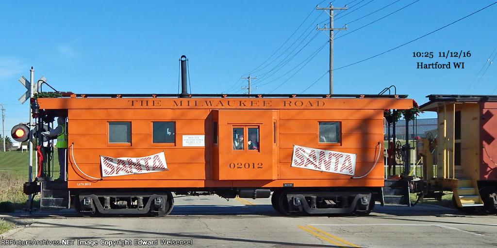 LLTX Milwaukee Road rib-side caboose