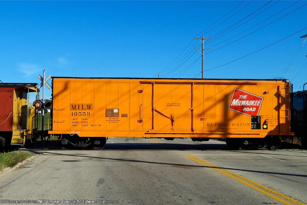 LLTX insulated boxcar