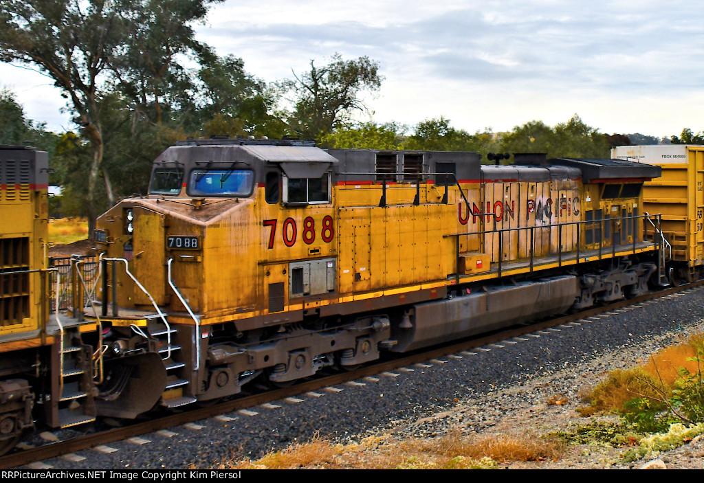UP 7088 Mid-Train DPU