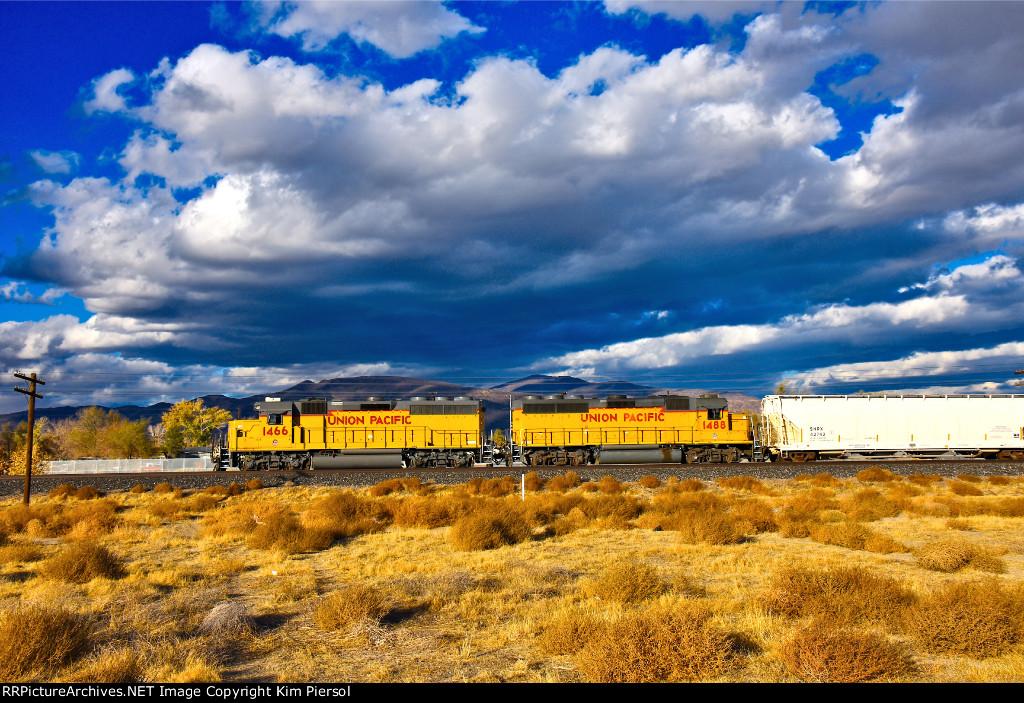 UP 1466 1488 WB UP Nevada (Truckee River Canyon) Sub