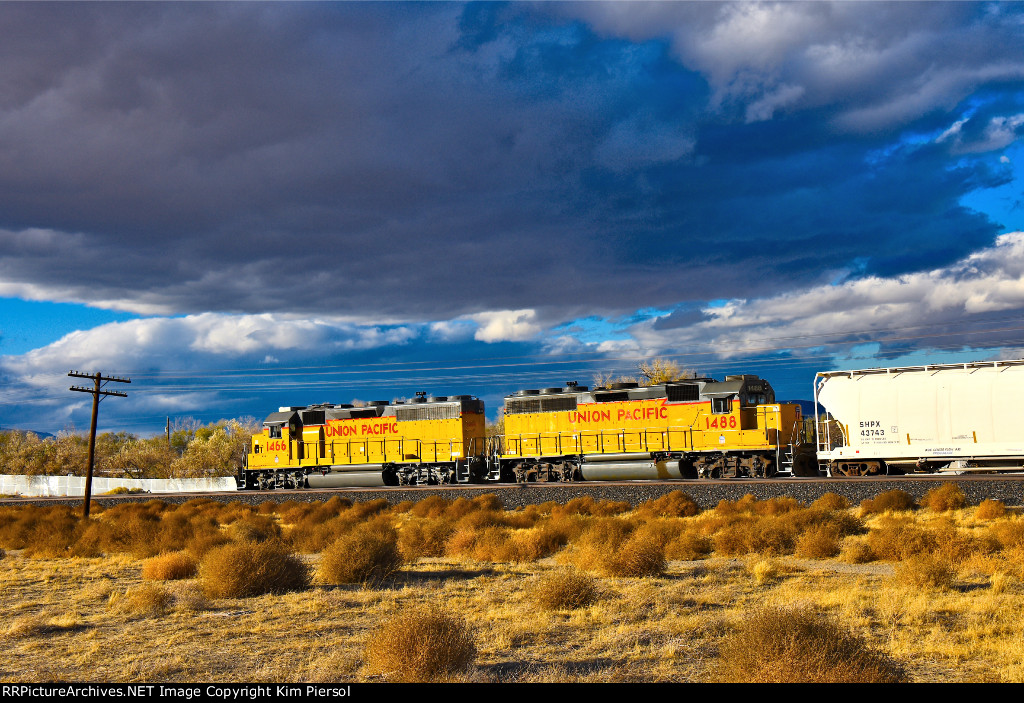 UP 1488 1466 WB UP Nevada (Truckee River Canyon) Sub