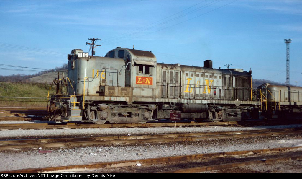 L&N RS-3 116