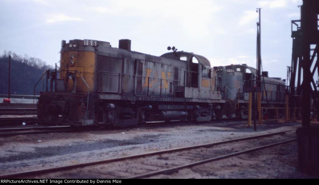 L&N RS-3's 166, 132
