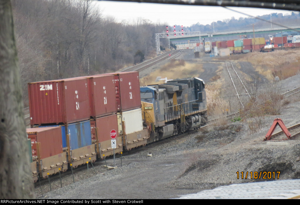 CSX 412 and 137