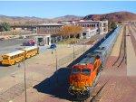 BNSF 6586 BNSF Christmas California Division visits Barstow