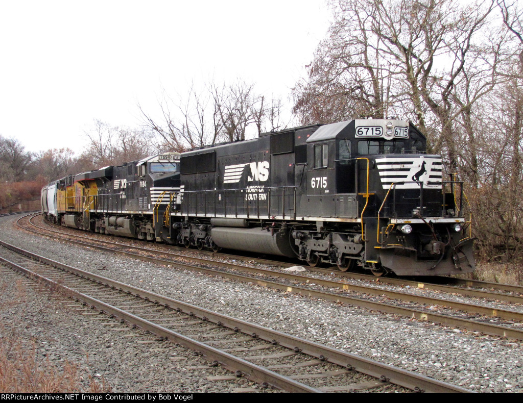 NS 6715 and 7694; UP 7630