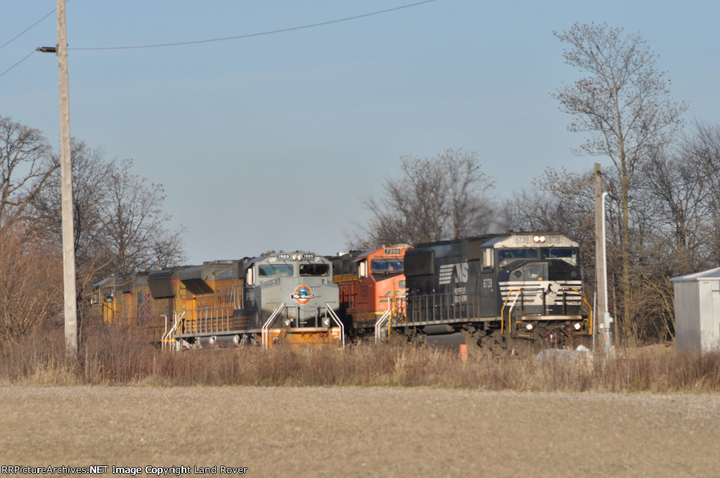 NS 6739 On NS 64 H Eastbound