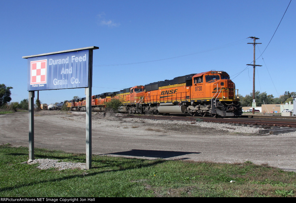 With 6 western units for power, an off schedule L501 makes a pickup from the yard