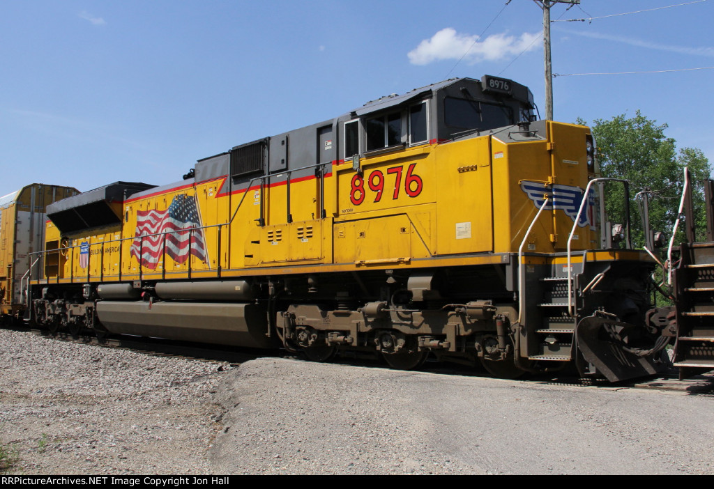 UP 8976