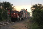 CN 5670 splits the East Durand signals as it rolls onto Main 2 with Q149