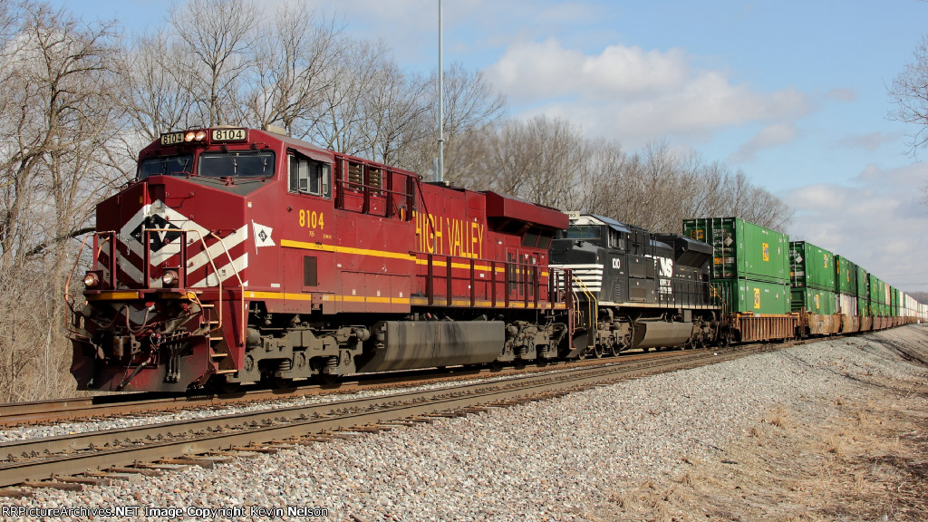 NS 8104 ES44AC LV Heritage Unit