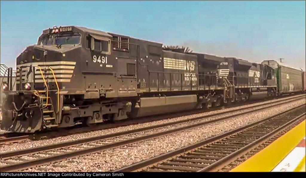 NS leading a UP train on BNSF track