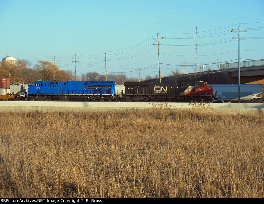 CN 2807 and GECX 2042