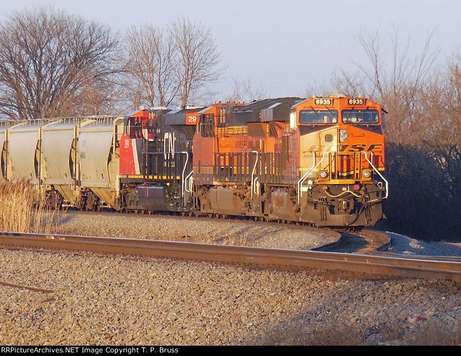 BNSF 6935, BNSF 38xx, and CN 2994