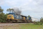 CSX 313 leads the MLIEW-20 west on the UP Houston Sub