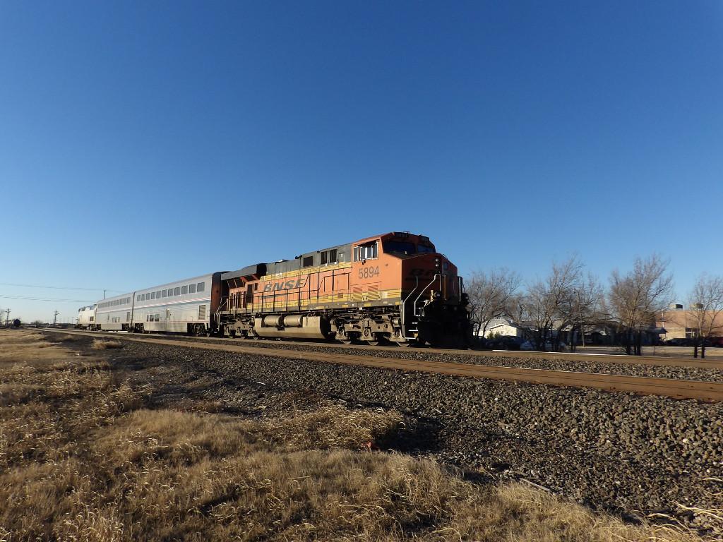 BNSF ES44AC 5894