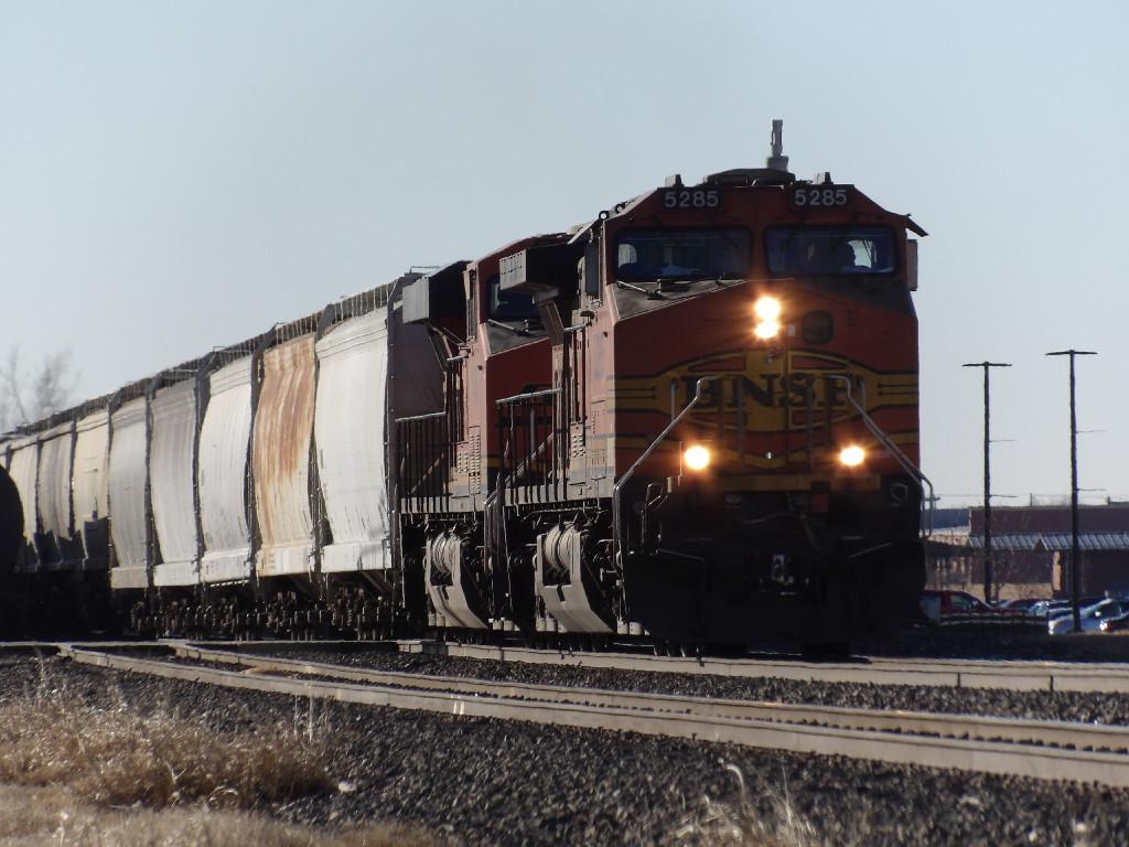 BNSF C44-9W 5285