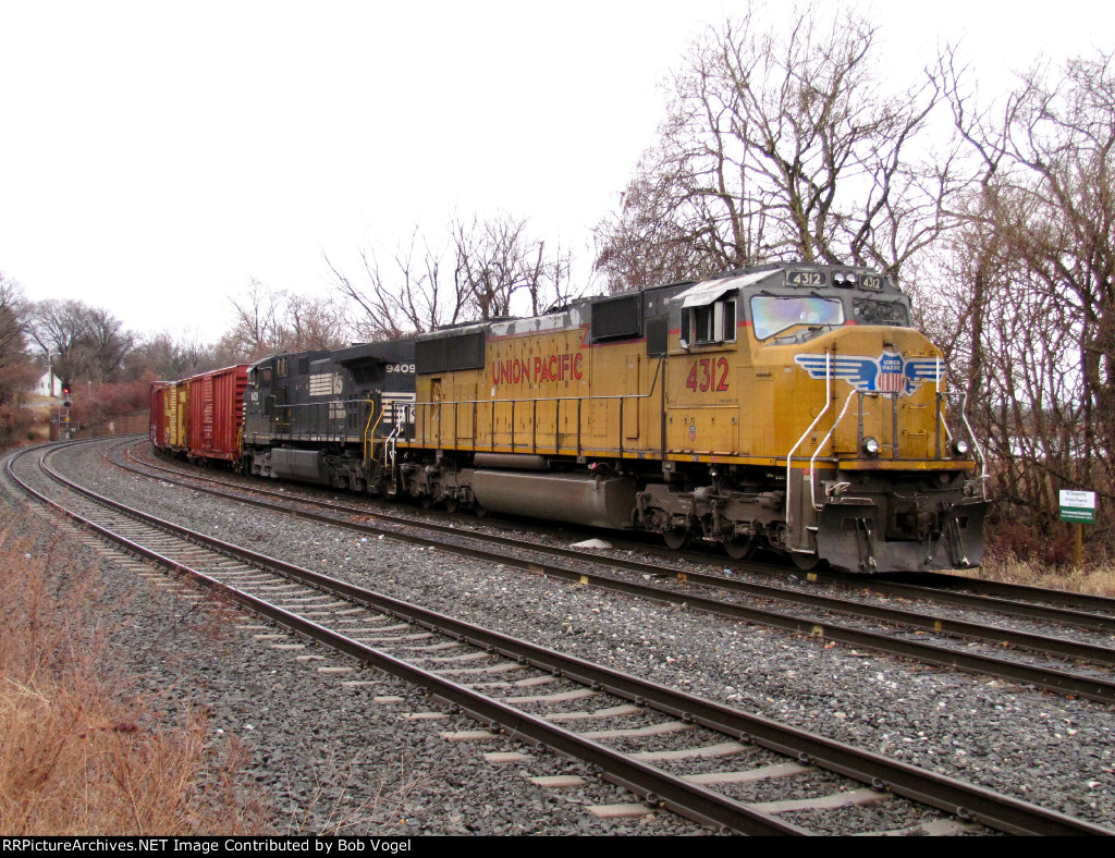 UP 4312 and NS 9409