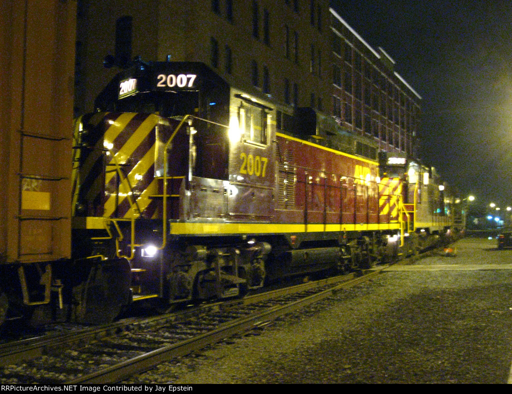 A trio of Geeps work some industries in the Strip District