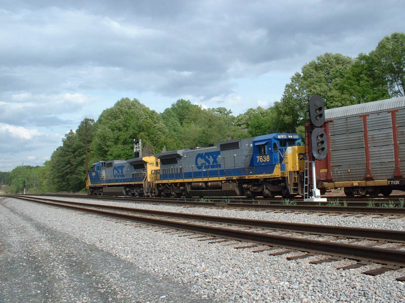 Q211 pulling out of Maxwell siding