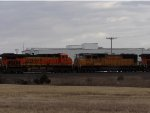 BNSF ES44DC 7460 & UP SD70M 4446