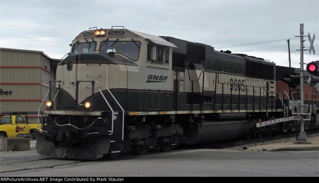 BNSF 9665 (01 June 2013)