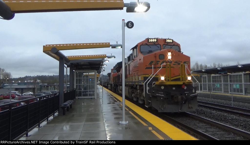 BNSF 3889