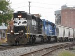 NS 1643 and an ex-Con lead a westbound