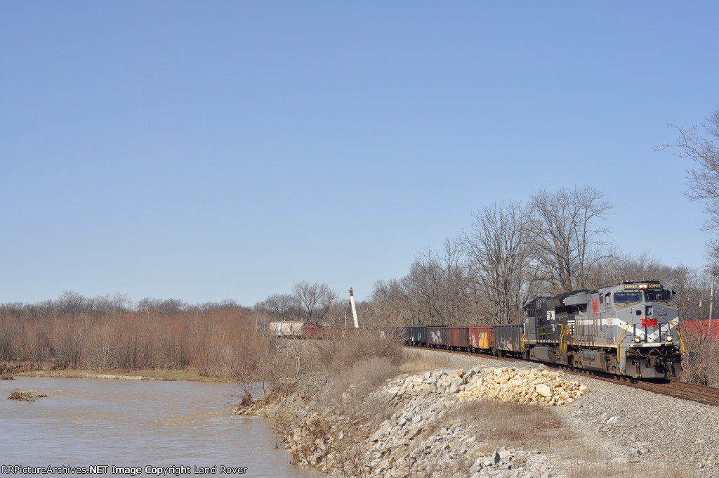 NS / MGA 8025 On NS 117 Eastbound
