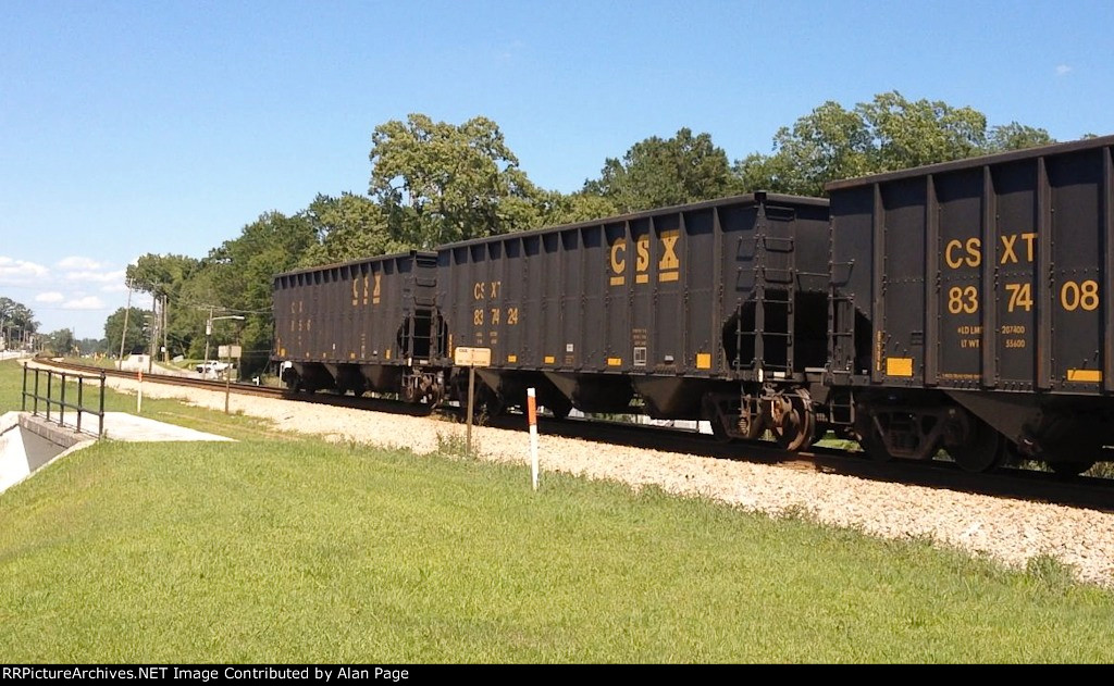 CSX 835967 and 837424 at the tail end