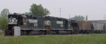 NS 5102 & NS 3170 picking up a string of hoppers on I&M rails