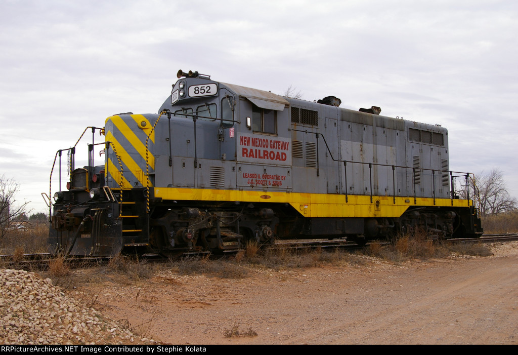 NEW MEXICO GATEWAY RR 852 AT TNMR
