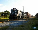 FEC 411 leads an intermodal north